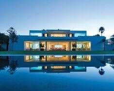 Rectangle #modern #exterior #contemporary #pool