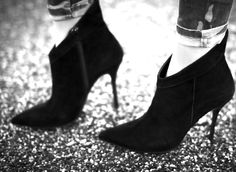 I WANT THESE SHOES ★