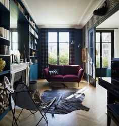 If you even paint the walls and the floor of a typical Parisian apartment just white, you already get a beautiful space - French architecture itself is ✌Pufikhomes - source of home inspiration French Architecture, Parisian Apartment, Luxury Dining Room, Interior Design Companies, Common Area, Chair And Ottoman, Luxurious Bedrooms, Beautiful Space, Home Fashion
