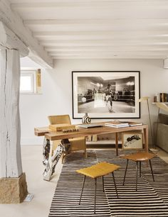 Love the assymetry of the desk / legs... replicate in a dining table, perhaps?