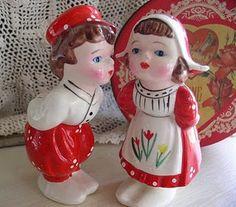 Dutch couple, my Grandma had some that were similar :)
