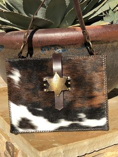 Oh love this Cowhide purse!