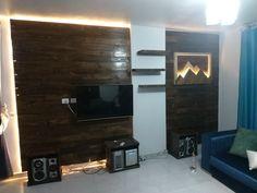 Pallet, Flat Screen, Tv, Blood Plasma, Shed Base, Palette, Television Set, Pallets, Flatscreen