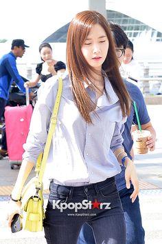 Girls Generation at Incheon International Airport Heading to Hong Kong - Aug 2, 2014 [PHOTOS] http://www.kpopstarz.com/articles/102194/20140804/girls-generation-incheon-international-airport-heading-hong-kong-aug-2.htm
