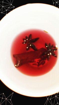 Chá de hibisco, canela e anis estrelado! Perfeito!! #tea #te #cha
