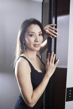 Michelle Yeoh malaysian actress who achieved her fame in hong kong action film. Beautiful Chinese Girl, Beautiful Women, Michelle Yeoh, Famous Celebrities, Celebs, Action Film, Lady, Asian Woman, Asian Beauty