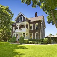 Between Naps on the Porch   Tour Jimmy Fallon�s Farmhouse In The Hamptons   http://betweennapsontheporch.net