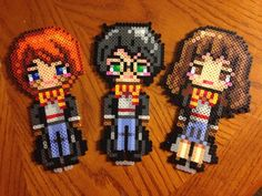 Harry Potter characters perler beads by tmclavell Perler Bead Designs, Perler Bead Templates, Pearler Bead Patterns, Perler Bead Art, Perler Patterns, Pixel Art Harry Potter, Harry Potter Perler Beads, Harry Potter Diy, Harry Potter Characters
