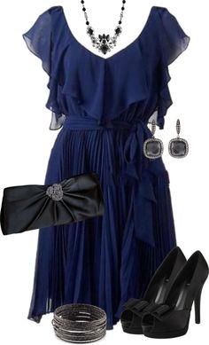 blue dress ~ vestido azul y accesorios negros.