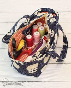 Diy Tote Bag, Pouch Bag, Pouches, Diy Sewing Projects, Sewing Tutorials, Diy Bag Designs, Diy Bags Patterns, Crochet Shoes, Fashion Sewing