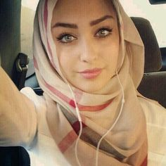 :) SHE IS MAGNIFICENT AND SHE MAGNIFIES HER GARB! AL-HAMDULLILAH!