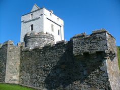Doe Castle, in County Donegal, Ireland. This was the century seat of the Mac Suibhne (Sweeney) clan. I am a descendent of that clan Tower House, Castle House, Beautiful Castles, Beautiful Places, English Army, Ireland Homes, Donegal, Ireland Travel, 16th Century