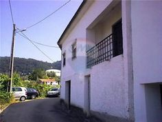 Three bedroom house with veranda and traditional bread oven, Miranda do Corvo - 45,000€ - Lisa Beale RE/MAX Montanha AMI 8668, lbeale@remax.pt, TM (+351) 918016128 - Remax property for sale in Portugal - Email for more RE/MAX Properties - ID123111015-29