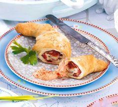 Tomaten-Schinken-Croissants mit Dip