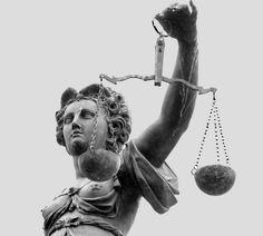 Fiecare familie are nevoie de serviciile unui avocat