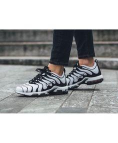 wholesale dealer fda0e 1cfc5 Nike Wmns Air Max Plus Ultra White Black Trainers