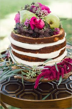 cinnamon and pear naked cake #weddingcake #nakedcake #weddingchicks http://www.weddingchicks.com/2014/02/13/romance-in-the-woods-wedding-inspiration/