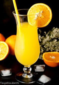 """Когда я увидела рецепт этого лимонада, отнеслась к нему не просто скептически, а очень скептически. Мне стало смешно, """"как из 4 апельсинов получить 9 литров…"""