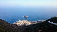🇪🇸 Mirador de Garachico, Carretera General, TF-82, 54, 38459 San Juan del Reparo, Santa Cruz de Tenerife, Hiszpania . . . . .@eGlobtroter.pl . . . . 🛫 #podróże #wakacje #legionowo #biuro #globtroter #globtrotter 🌐 #wypoczynek#wycieczki#egzotyka#lastminute #podróże#turystyka #samolot #hotel#objazd #narty #kanikula 👍👌☀️😎💪☀️☀️💥✈️🛳 #travel #vacation#holiday #world #landscapes #nature #skay #📷 #beach #sea #water #travelers #travel_photography #explore 🛬 Airplane View, Travel Photography, Explore, Vacation, Landscape, World, Beach, Water, Holiday