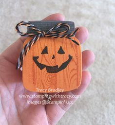 Pumpkin Jar Treat Box - Stamping With Tracy Halloween Candy Crafts, Halloween Treat Holders, Halloween Games For Kids, Halloween Items, Halloween Cards, Halloween Treats, Christmas Class Treats, Christmas Cards, Circle Crafts