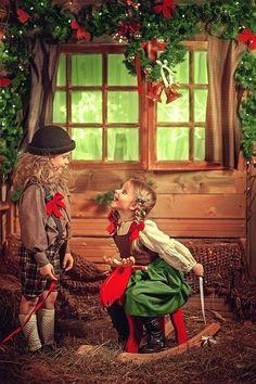 Enfants de Noël Christmas Photography, Winter Photography, Still Life Photography, Creative Photography, Children Photography, Art Photography, Christmas Photo Props, Christmas Mini Sessions, Christmas Scenes