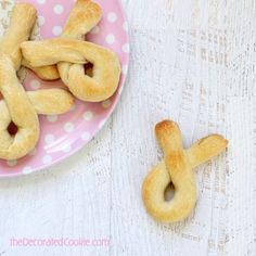 EASY bunny breadsticks for #Easter