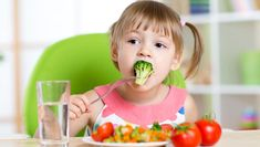 A food & nutrition guide for kids healthy teeth kids mile high. Healthy Teeth, Healthy Snacks, Healthy Eating, Dinner Recipes For Kids, Kids Meals, Diet For Children, Healthy Habits For Kids, Motivation Diet, Healthy Recipe Videos