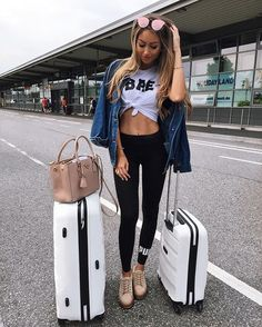 Make the airport your runway.How do you select an ensemble that will be comfortable enough to travel in?This cool and casual airport style can be extended on your working station. Travel Wear, Travel Style, Travel Outfits, Travel Attire, Travel Bags, Flight Outfit, Airplane Outfits, Winter Outfits, Summer Outfits