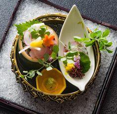 Fish Recipes, New Recipes, Japanese Food Sushi, Sashimi Sushi, Keto Chili Recipe, Weird Food, Slow Food, Restaurant Recipes, Food Presentation