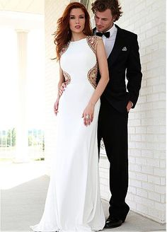 The new collection of Jovani prom dresses 2015 is ready! Discover beautiful beaded gowns, body hugging sillouettes, sexy cutout details, lace and flowery prints Prom Dresses Jovani, Prom Dresses 2015, Designer Prom Dresses, Ball Dresses, Ball Gowns, Evening Dresses, Formal Dresses, Wedding Dresses, Unconventional Wedding Dress