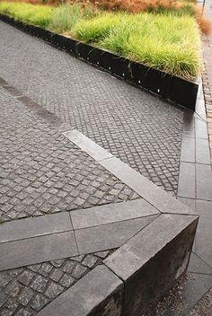 Plaza at BRFkredit Head Quarters by Henrik Jørgensen Landskab AS