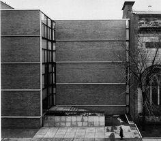 Yale University Art Gallery, New Haven, Connecticut, 1951-53 (Louis Kahn)