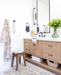 20 Washroom Paint Color Styles That Always Look Fresh as well as Clean Easy Home Decor, Home Decor Bedroom, Cheap Home Decor, Living Room Decor, Bathroom Fixtures, Bathroom Tiling, Bathroom Spa, Grey Bathrooms, Washroom