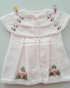 This post was discovered by il Baby Cardigan Knitting Pattern Free, Crochet Baby Jacket, Crochet Baby Dress Pattern, Knit Baby Dress, Knitted Baby Cardigan, Baby Dress Patterns, Knitted Baby Clothes, Baby Girl Crochet, Baby Knitting Patterns