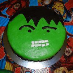 Pastel de Hulk,. el tercer pastel del tercer cumpleaños de mi hijo.