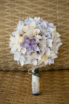 Unique paper bouquet for bride. Delisser Photography