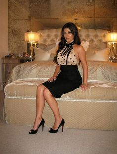 Trend Spotting With Kim Kardashian: Bedroom Dress-Up Khloe Kardashian Bedroom, Kardashian Style, Kardashian Jenner, Kardashian Fashion, Kim K Style, Her Style, Celebrity Bedrooms, Inspirational Celebrities, Glamour