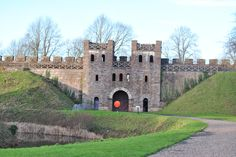 cardiff castle gates