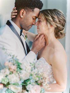 Downtown Modern Micro-Wedding Inspiration | South Bend Wedding Inspiration - Photography ARIELLE PETERS | Magnolia Rouge: Fine Art Wedding Blog | Romantic Wedding Photos | portraits | Wedding Bouquets
