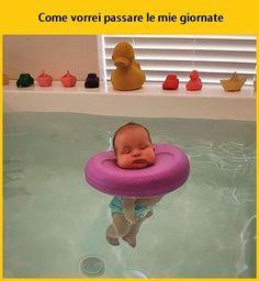 """""""Mi piace"""": 274.8 mila, commenti: 1,879 - Tua madre è Leggenda (@tmlplanet) su Instagram: """"Relax > all. #tmlplanet #relax #ferie #piscina #acqua #bagno"""""""