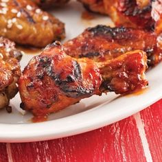 Ailes de poulet, sauce barbecue à la bière - Recettes - Cuisine et nutrition - Pratico Pratiques Veal Recipes, Chicken Recipes, Cooking Recipes, Sauce Barbecue, Bbq Grill, Bbq Chicken Wings, Tandoori Chicken, Camping Bbq, Good Food