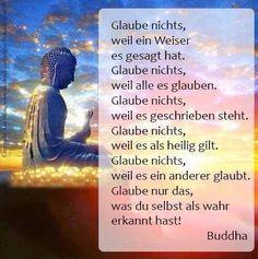 Glaubt ja nicht den Mist den ich hier schreibe -Siddhartha Gautama wurde ca. 563 v.Chr. in Kapilawastu, am Fusse des Himalaya, als Prinz geboren. Seine Mutter, hatte während der Schwangerschaft einen Traum, indem Siddhartha ihr in einem Traum al...