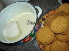 Napolitane cu crema de biscuiti - Retete in imagini - Culinar.ro Forum Biscuit, Cookies, Desserts, Food, Pain Au Chocolat, Crack Crackers, Tailgate Desserts, Deserts, Biscuits