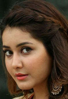 Raashi Khanna. Tollywood  Actress
