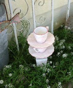 Handmade bird feeder. by GlassGardenGorgeous on Etsy, $18.00