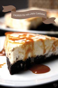 Wahnsinn! Schon ein Jahr Liebelei... Als Dankeschön gibt es für Euch ein fettes Stück Oreo-White-Chocolate-Caramel-Cheesecake! – Dreierlei Liebelei