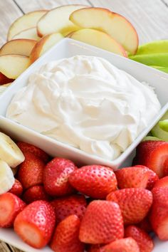 This easy and delicious yogurt fruit dip recipe is the perfect compliment to any fruit plate and is sure to be a hit anywhere you serve it! Healthy Fruit Desserts, Healthy Yogurt, Fruit Snacks, Healthy Fruits, Healthy Snacks, Fruit Dips, Fruit Yogurt, Fruit Fruit, Fruit Trays