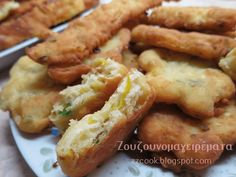 Τηγανίτες με τυρί και κολοκυθάκι! No Cook Desserts, Dessert Recipes, Finger Foods, Chicken Wings, Mashed Potatoes, Sausage, Bacon, Appetizers, Pizza