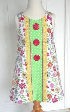 Ivey Crenshaw via Fabric Finders Sewing For Kids, Baby Sewing, Sew Baby, Toddler Dress, Baby Dress, Little Girl Outfits, Kids Outfits, Cute Dresses, Girls Dresses