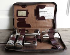 vintage mens travelkit // vintage leather by SweetMachines on Etsy, $16.00
